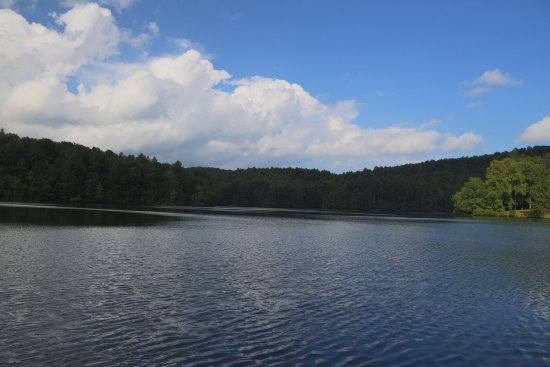 Mountain Lake Cottages: Lake Julia