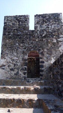 Tidore, Indonesien: benteng ini dibangun sekitar abad ke 17 oleh Portugis