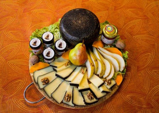 Hotel Tre Stelle: ristorante formaggi tipici