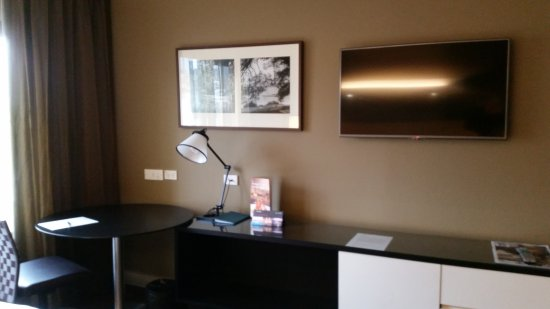 Parramatta, Australia: Superior Twin Room - Desk, & TV