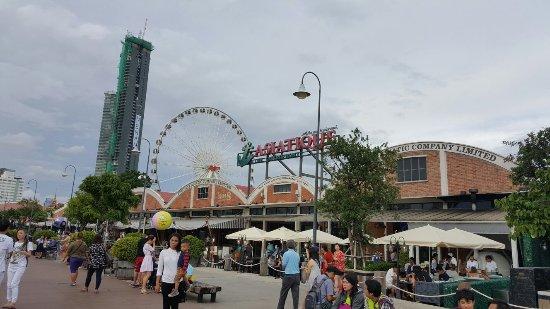 Centre Point Silom: 20160624_172851_large.jpg