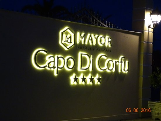 Mayor Capo Di Corfu: Einfahrt zum Hotel