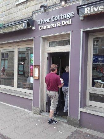 Axminster, UK: Entrance to River Cottage
