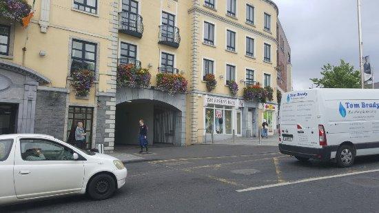 Bracken Court Hotel: 20160622_085210_large.jpg