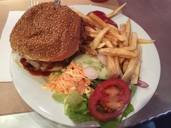 Bugsy's : Burger Pulled Beef, 15 Euro