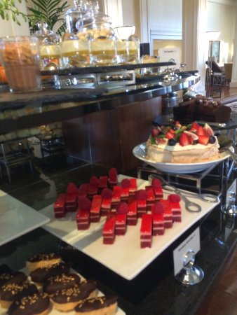 Hyatt Hotel Canberra: High tea