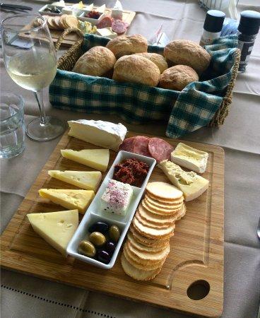 Cowes, Australia: cheese tasting plate