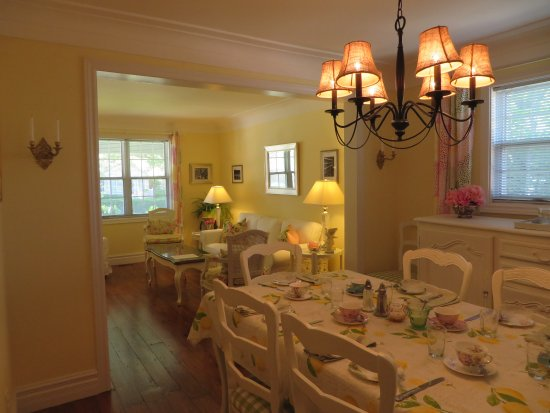 Cape House Bed and Breakfast: Dining Room