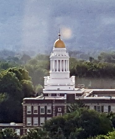 Pittsfield, Массачусетс: Gold domes are always nice to view
