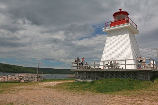 Lighthouse Ice Cream Parlour : Family eating at light house