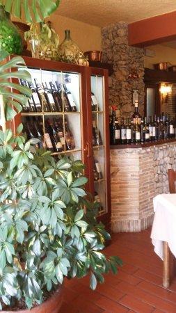 Aielli, Italien: TA_IMG_20160625_135434_large.jpg