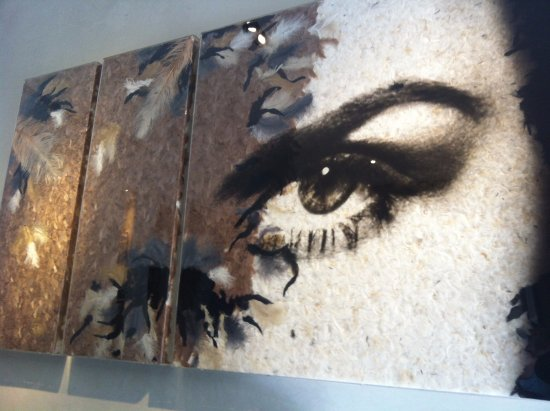 Hotel Marceau Champs Elysees: art in the hotel