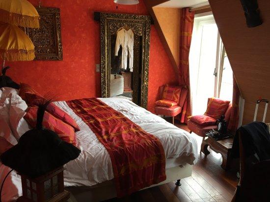 Chambre bali avec jacuzzi et balcon photo de brussels - Chambre avec jacuzzi bruxelles ...