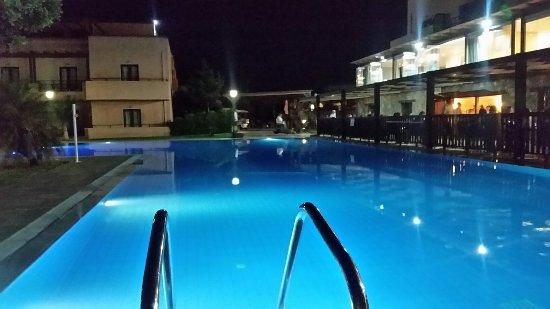 SENTIDO Vasia Resort & Spa: 20160620_223040_large.jpg