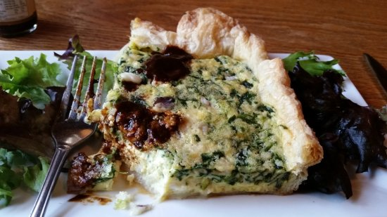 Stress Free Moose Pub & Cafe : Spinach and Feta Quiche