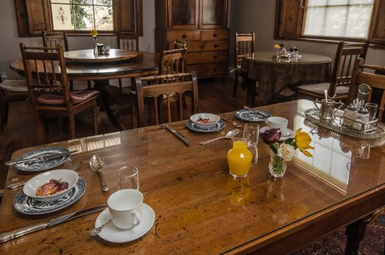 Fairview Historic Homestead: Breakfast Room