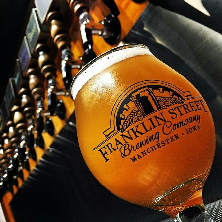 Manchester, IA: Franklin Street Brewing Company
