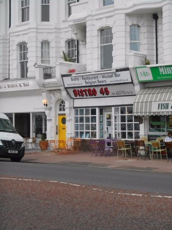 Bexhill-on-Sea, UK: Looks Nothing Is Something