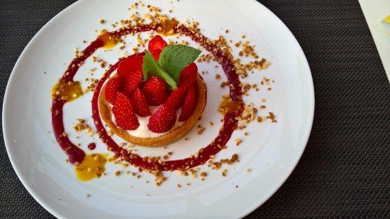 GOURMET BAR NOVOTEL  Survilliers St Witz : Excellente tarte aux fraises!