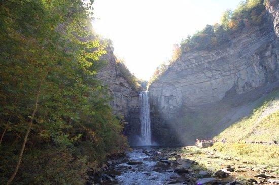 Trumansburg, Νέα Υόρκη: A complete view around Taughannock Falls