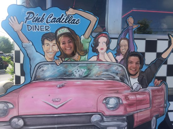 Pink Cadillac Diner : Great breakfast service is awesome