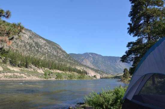 Spences Bridge, Canada : Thompson River from our campsite