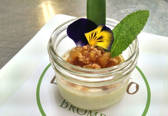 Brome, Canada: Gâteau de fromage et noix de coco