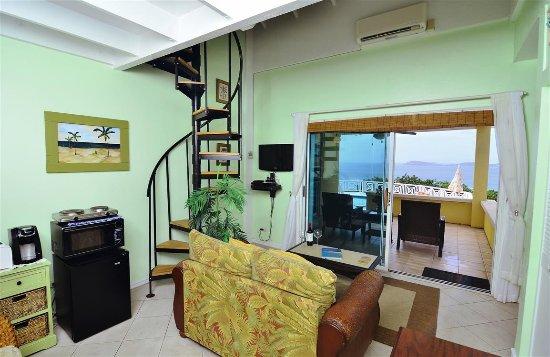 Villa Marbella Suites: Frenchmans Bay sitting area
