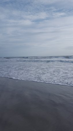 International Palms Resort & Conference Center Cocoa Beach: 200ft walk from the room and your on the beach