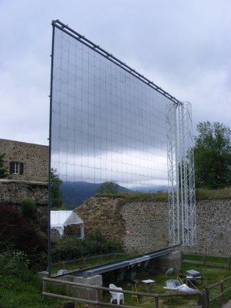 Four solaire picture of four solaire mont louis for Miroir solaire parabolique
