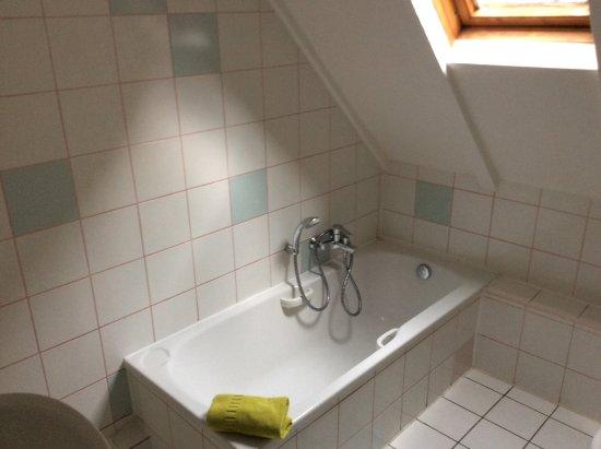 Hotel l'Oriel: Bathroom