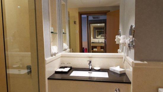 Bathroom Design Johor Bahru spacious bathroom - picture of holiday villa johor bahru city