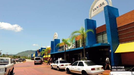 Sambil Margarita: a frente do shopping, muito belo, bem localizado.