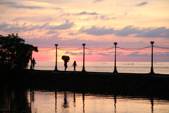 Tasik Ria Resort Manado: The pier.