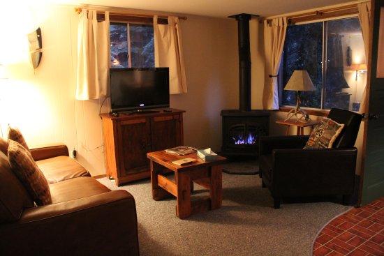 River Spruce : Family room