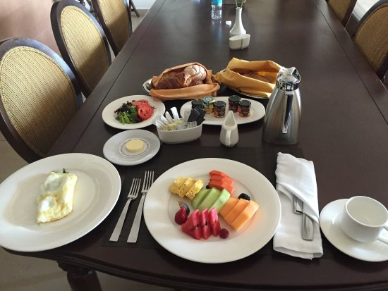 room service breakfast for ONE!