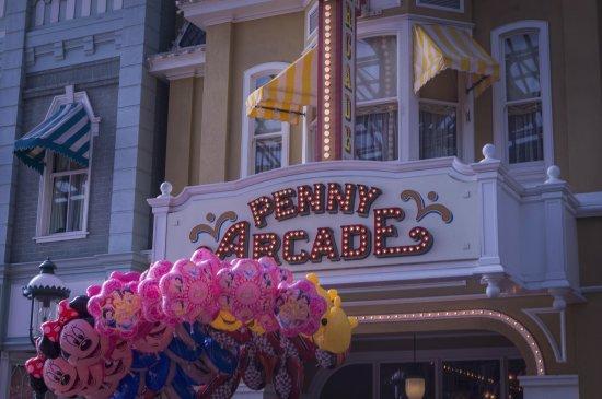 Tokyo Disneyland: 東京ディズニーランド Tokyo Disney
