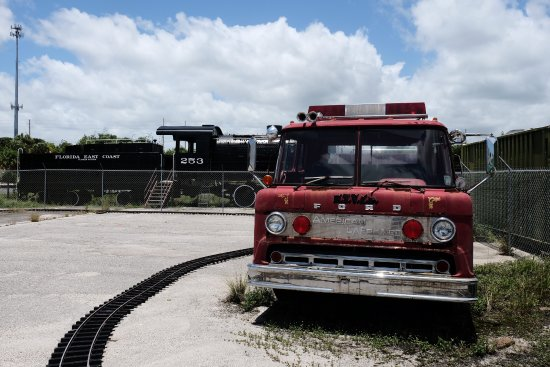 Fort Pierce, FL: Old fire truck on the property