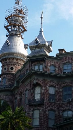 Henry B. Plant Museum: Work being done on the exterior - still stunning!
