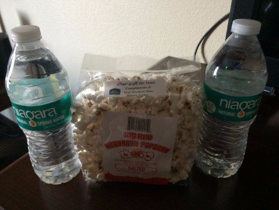 Sidney, NE: Complementary water and Nebraska popcorn