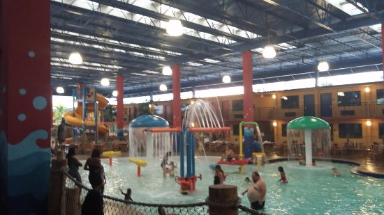 Coco Key Hotel and Water Park Resort: Covered section of the water park