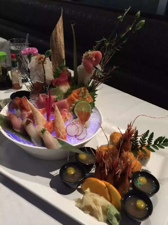 Glen Cove, État de New York : Sushi and fired oyster