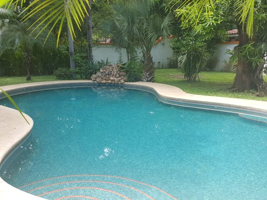 Villas Kalimba: privater Pool in eigenem großen Garten, Villa Kamar