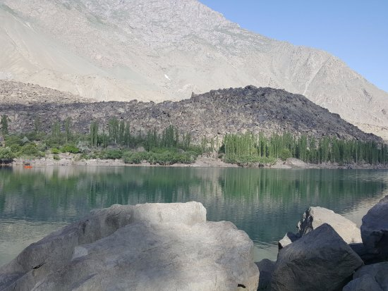 Skardu, Pakistan: Lake 7
