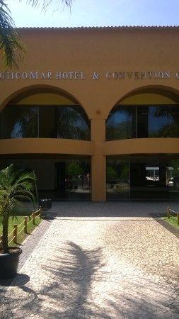 Nauticomar All Inclusive Hotel & Beach Club: frente do hotel