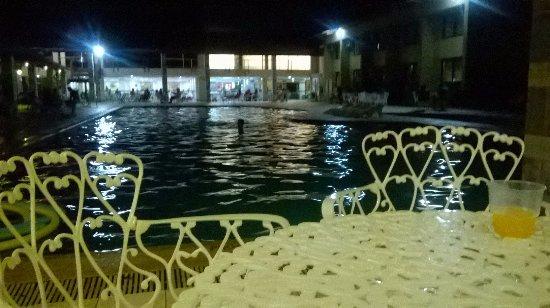 Nauticomar All Inclusive Hotel & Beach Club: vista da Piscina a noite!