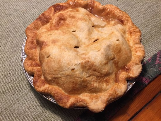 CROWS BAKERY & OPERA HOUSE CAFE: Apple pie