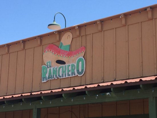 Wickenburg, AZ: Great service to go with great authentic Mexican food.  Queso fundido was excellent and went per