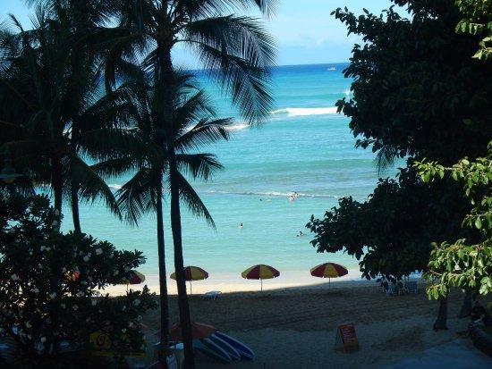Aston Waikiki Beachside Hotel: Room view toward beach area