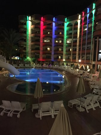 Hotel Neptuno Gran Canaria : View from the swimming pool bar
